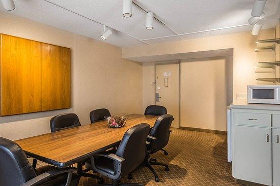 Perrysburg, OH: Meeting room