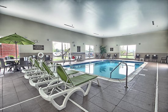 Salem, IL: Relax - Indoor Pool