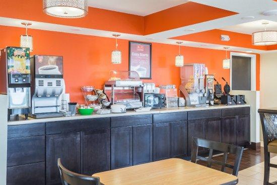 White Pine, TN: Breakfast Area