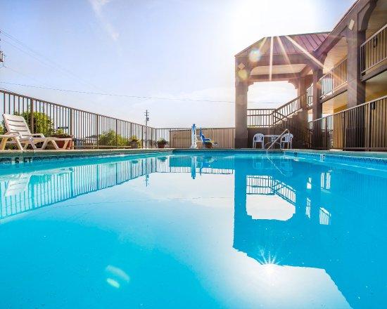 Red Roof Inn & Suites Oxford : Pool