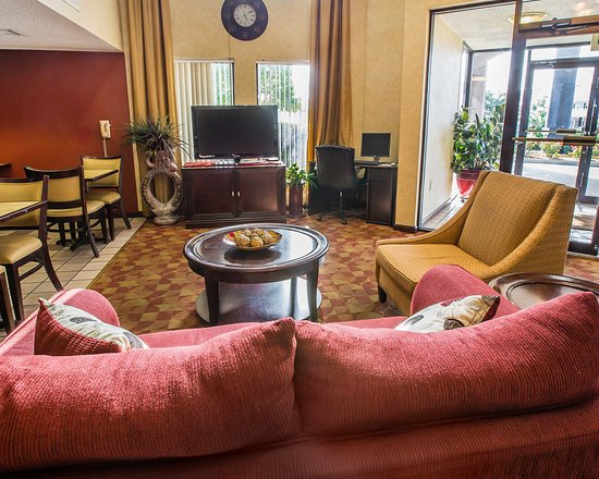 Red Roof Inn & Suites Oxford: Lobby Seating