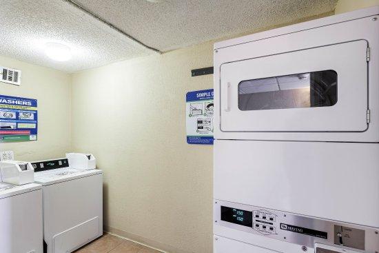Duncanville, TX: Laundry