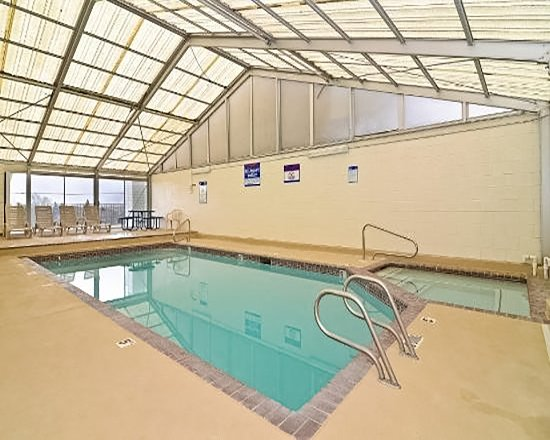 Price, UT: Indoor pool