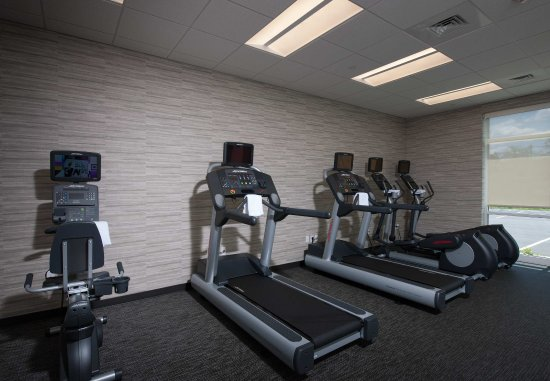 Littleton, MA: Fitness Center