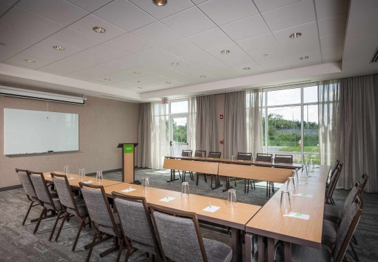 Littleton, MA: Meeting Room