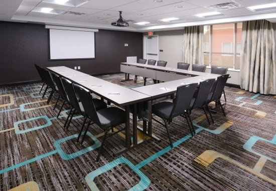 Pasadena, TX: Hold your meeting in our Southeast Houston, TX hotel's Fossil Meeting Room