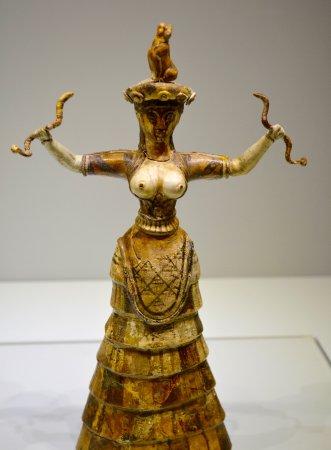 Αρχαιολογικό Μουσείο Ηρακλείου: Snake goddess from Knossos