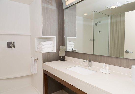 Morgantown, Virginia Barat: Guest Bathrooms