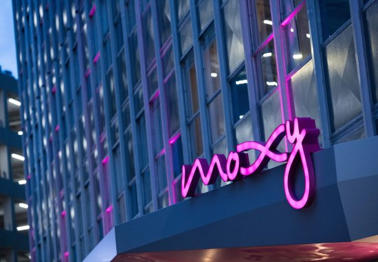 MOXY New Orleans Downtown/French Quarter Area Hotel