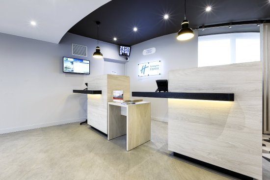 Velizy-Villacoublay, France: Front Desk