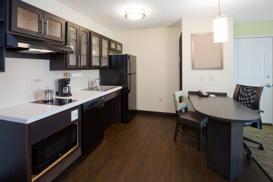 Bemidji, MN: Kitchen and Office in our ADA One Bedroom Suite