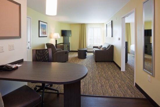 Bemidji, MN: ADA One Bedroom King Suite