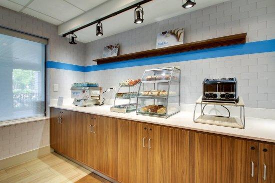 Aurora, IL: Express Start Breakfast
