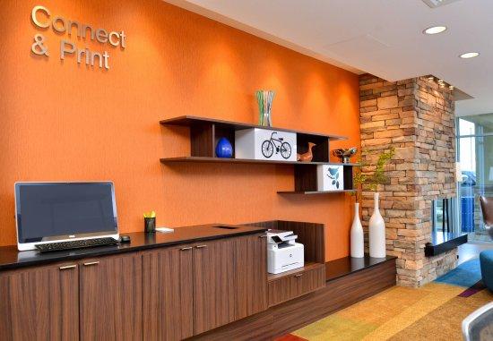 Woodland, CA: 24-hour Business Center