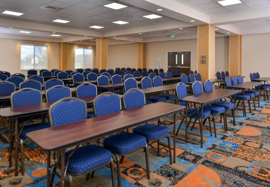 Woodland, CA: Event Center - Classroom Setup