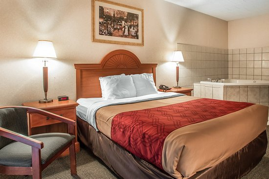 Clarion, PA: Guest Room