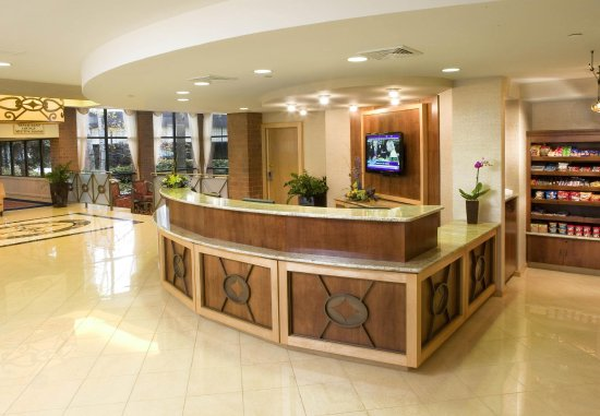 Racine Architect Hotel & Conference Center: Lobby