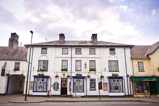 Lampeter, UK: The Black Lion hotel exterior