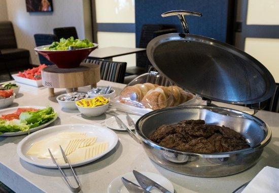 Malvern, PA: The Residence Inn Mix® - Burgers