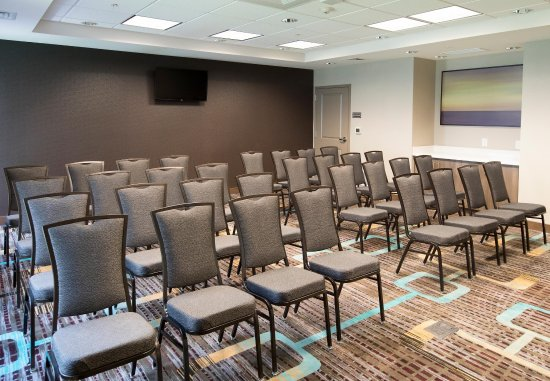 Malvern, PA: General Warren Meeting Room - Theater Setup