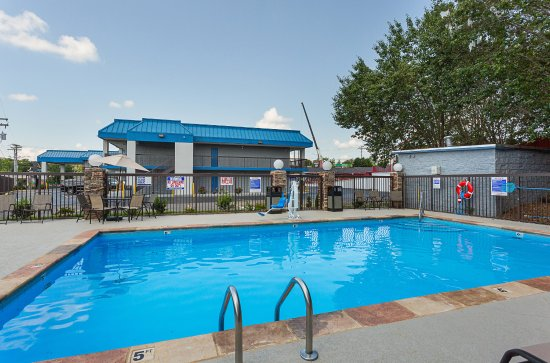 Kingston Springs, TN: Outdoor Pool