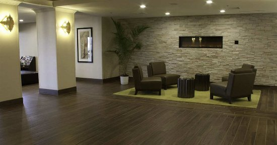 Brookfield, WI: Lobby Area