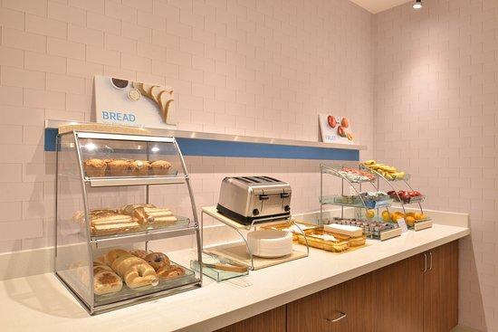 คาร์เตอร์เลค, ไอโอวา: Breakfast Bar
