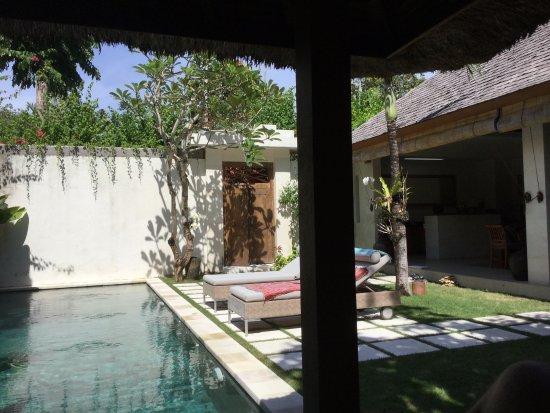 Villa Bali Asri Batubelig : Pool