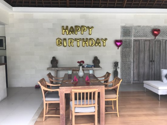 Villa Bali Asri Batubelig : Geburtstagsdekoration