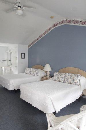 West Harwich, MA: Beds