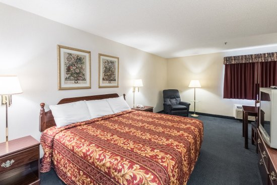 Mineral Wells, WV: Guest room