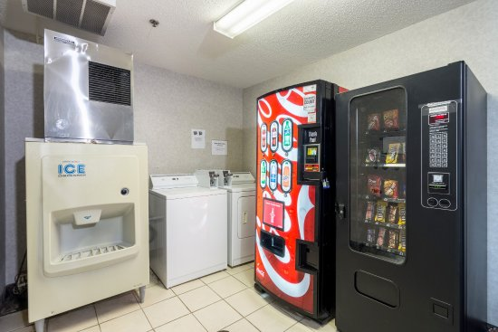 Mineral Wells, WV: Vending area