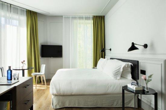 hotel boutique barrio salamanca totem madrid junior suite