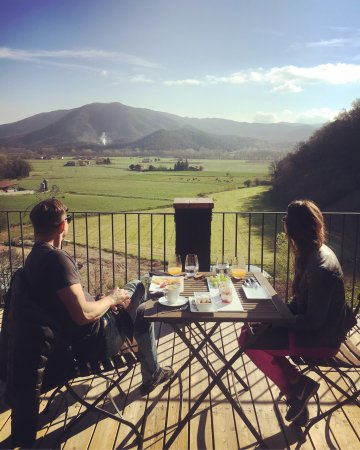 Joanetes, Spain: Personalized experiences at Les Comelles. Katie&Bob from Arizona