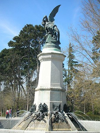 Photo of Monument / Landmark Monumento del Angel Caido at Parque Del Retiro, Madrid, Spain