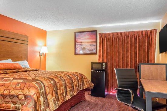 Vineland, NJ: Double room