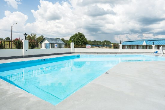 Sardis, MS: Outdoor Pool