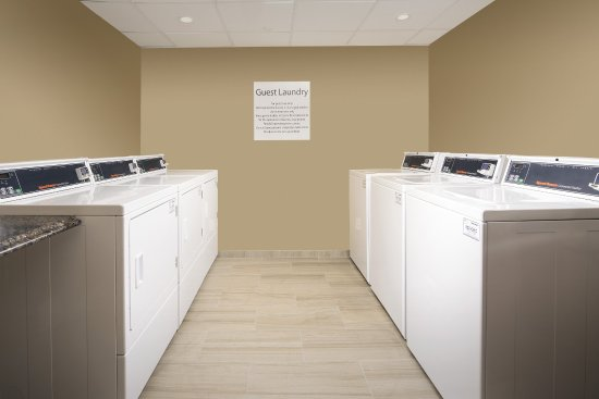 College Park, MD: Guest Laundry located onsite. Accpets credit cards only.