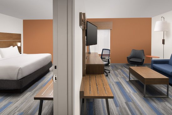 College Park, MD: Enjoy having a separate room in our executive suite.
