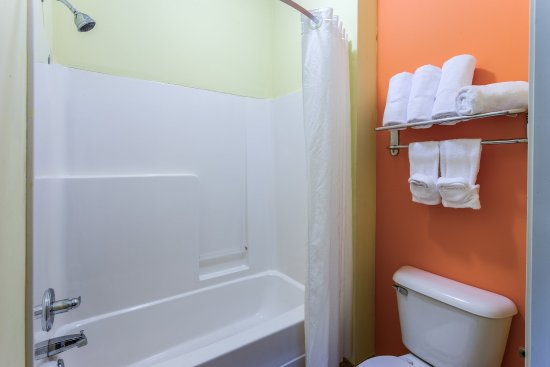 Streator, Илинойс: Standard Bathroom