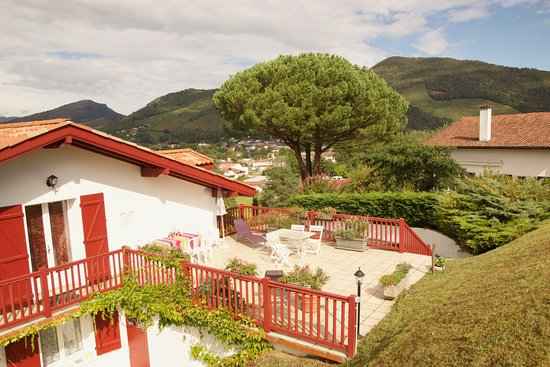 Maison garicoitz 70 7 6 prices hotel reviews saint jean pied de port france - Hotel saint jean pied de port des pyrenees ...