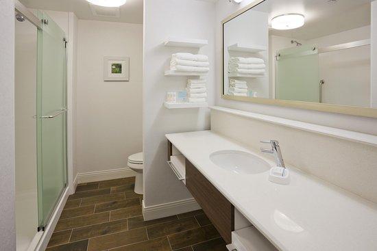 Roseville, MN: Bathroom