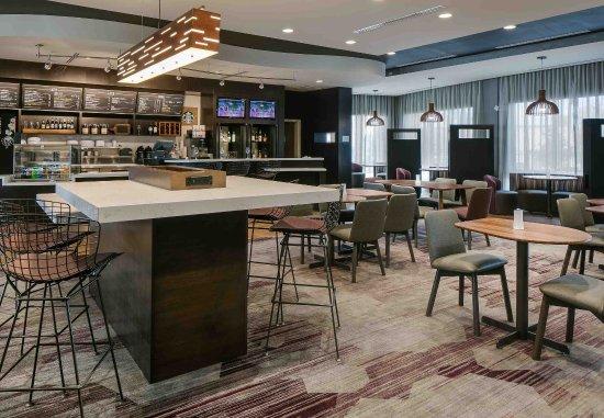 Bellevue, NE: The Bistro - Dining Area
