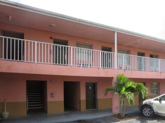 Okeechobee, FL: Exterior