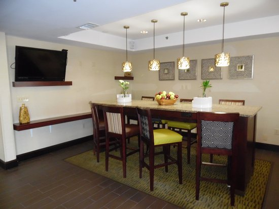 Ames, IA: Breakfast Sitting Area