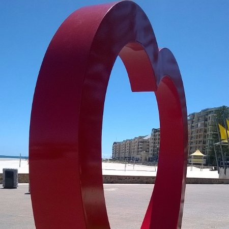 Glenelg beach sculpture