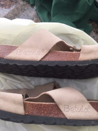 Corte Madera, Kalifornien: Betula---cheap version of Birkenstock