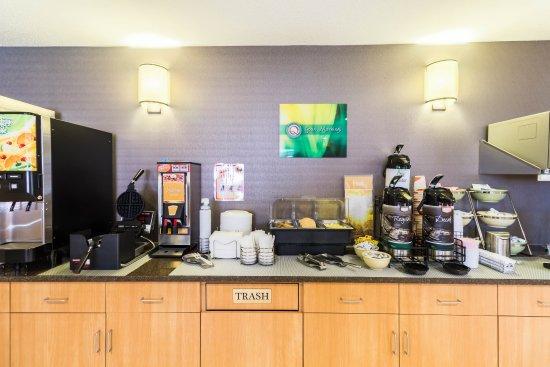 Marshall, MN: Breakfast Area