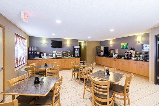 Marshall, MN: Breakfast Seating