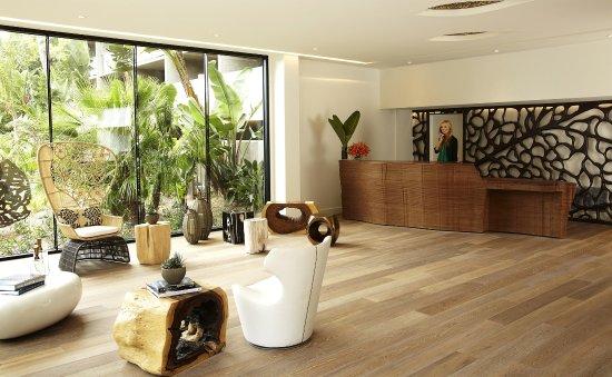 Hotel La Jolla, Curio Collection by Hilton: Reception Area